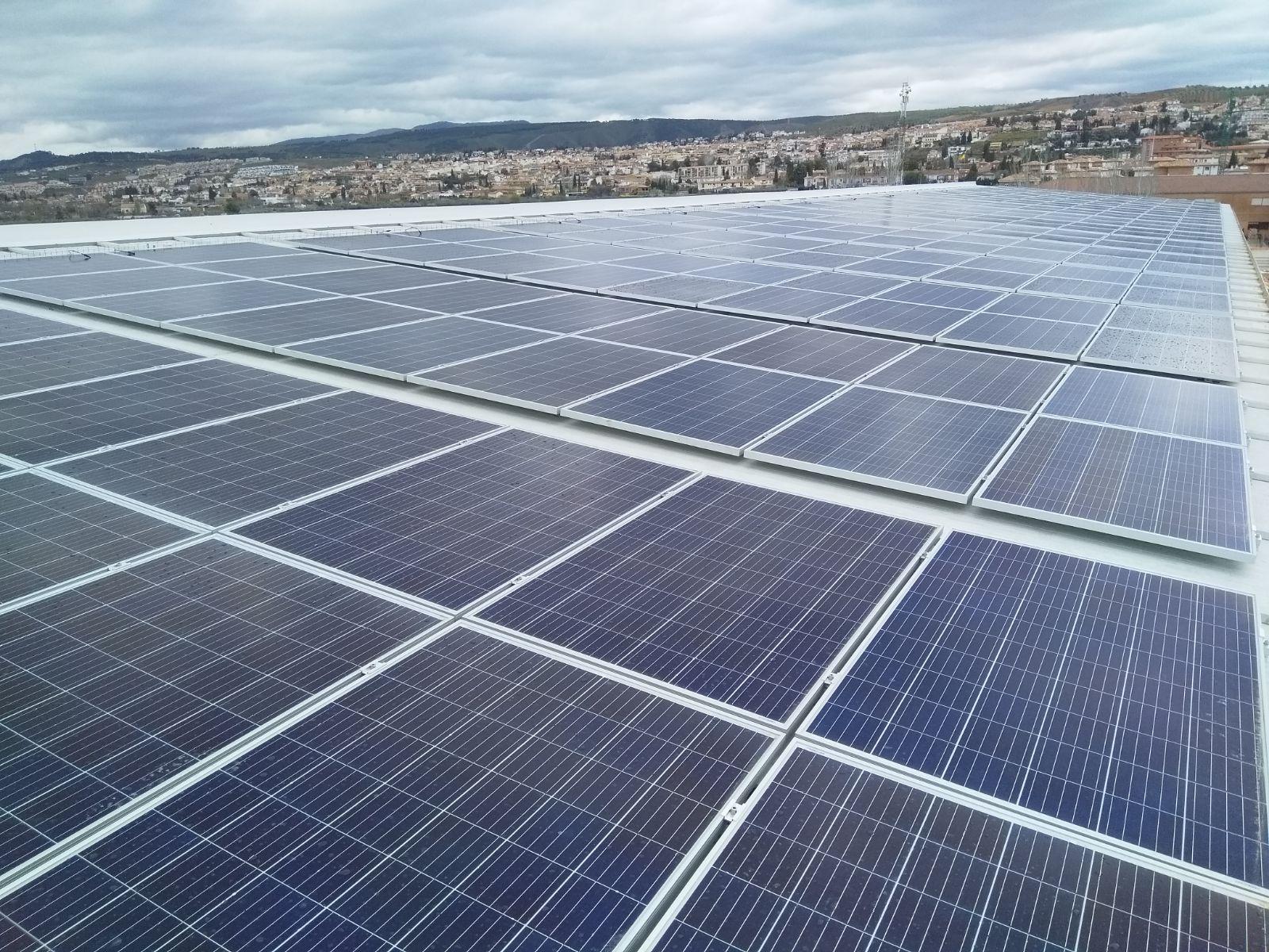 Instalación fotovoltaica en Granada